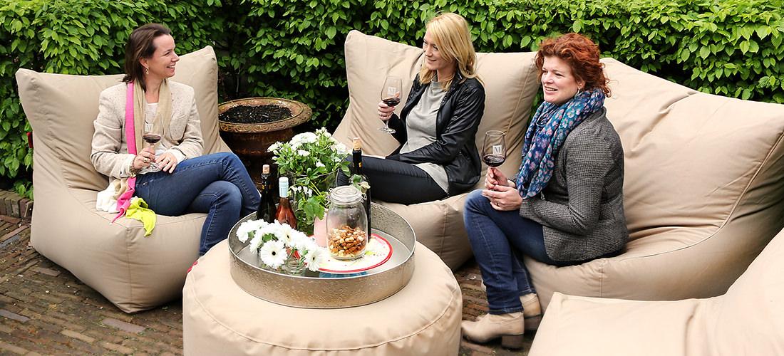 Relaxed genieten, lounge en wijn.